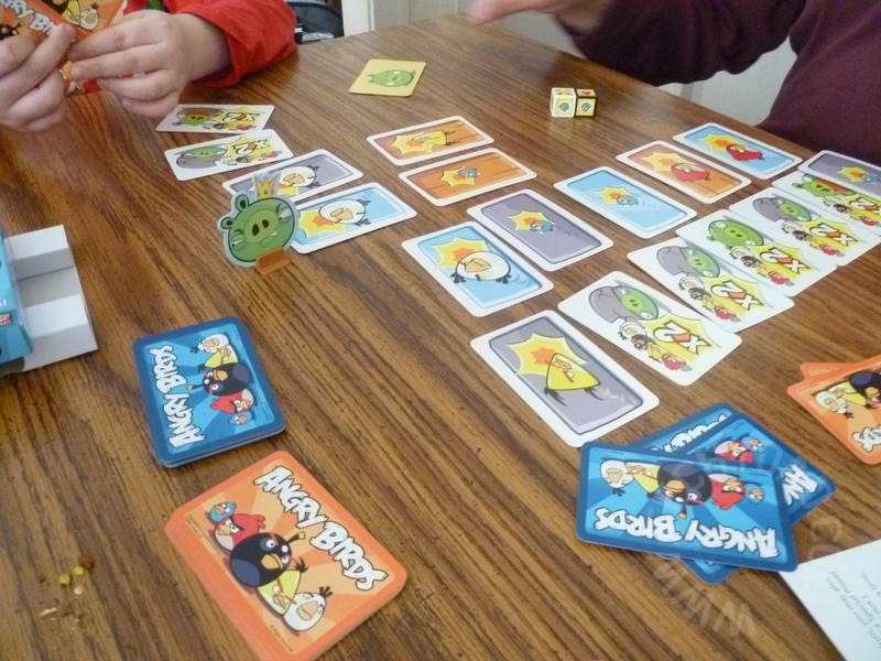 how to play angry birds card game