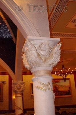 rose-pillar